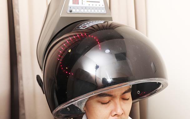 用臭氧辐射照让头皮恢復清爽,使秀发更强健。